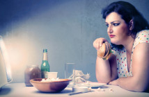 07_OverweightWomenatHome